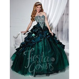 House of Wu Quinceanera Teal size 10